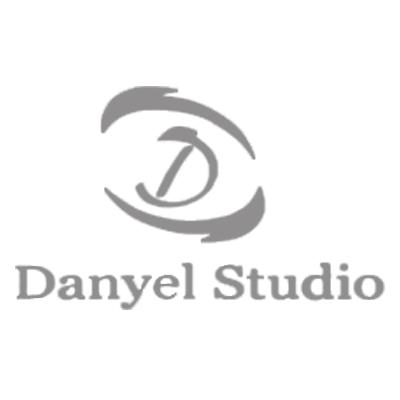 Danielstudio_400x400_1a